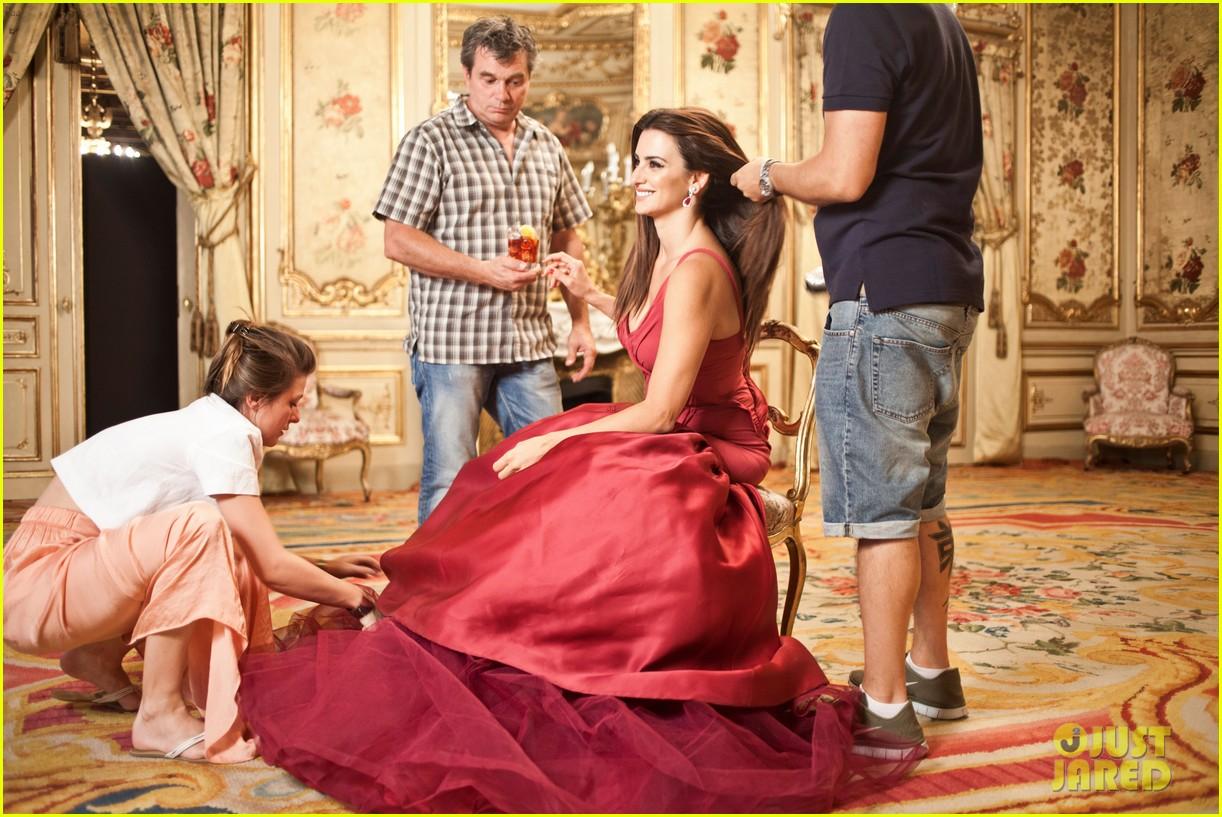 penelope-cruz-campari-calendar-shoot-behind-the-scenes-pics-01 (1)