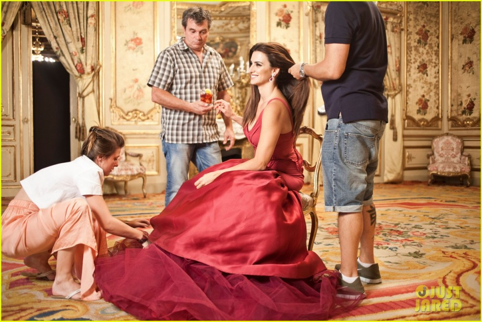 penelope-cruz-campari-calendar-shoot-behind-the-scenes-pics-01 (1)